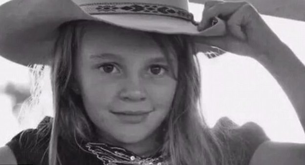 """""""Долли хотела избежать зла в этом мире"""" австралия, девочка, история, мир, модель, самоубийство, троллинг"""
