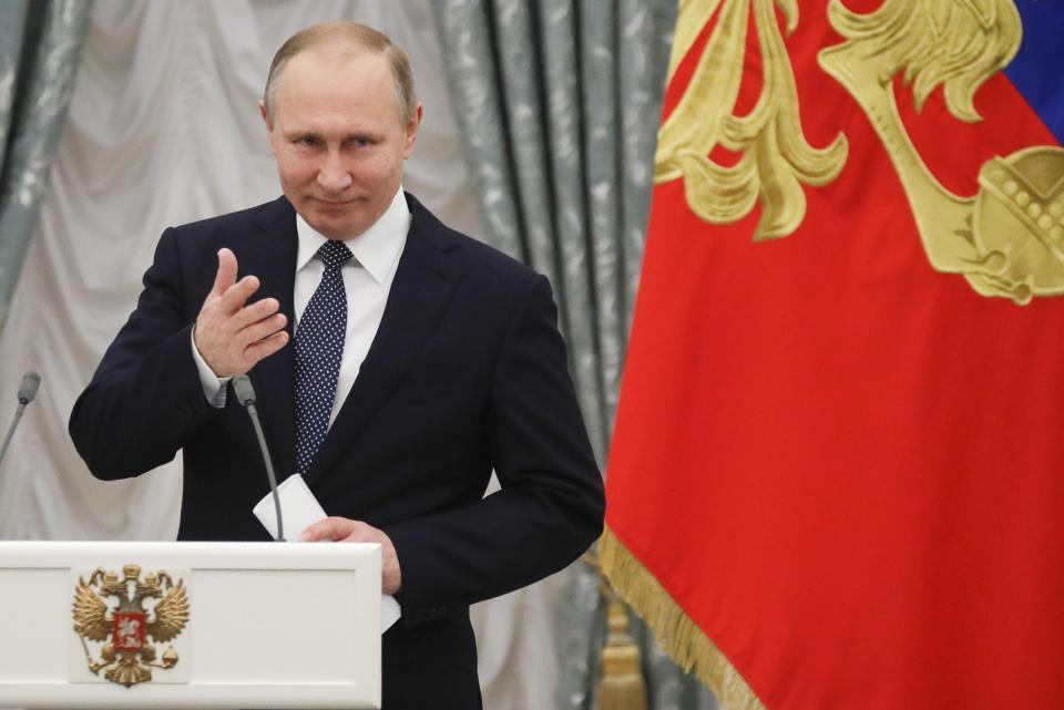 Неуклонно повышаем качество жизни с 2012: Путин предложил проиндексировать зарплаты бюджетников вне майских указов