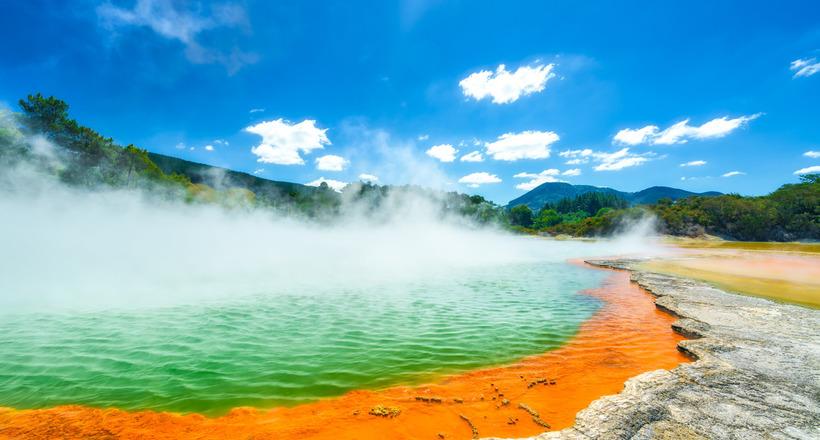 Image result for Роторуа в Ðовой Зеландии: ÑвÑÑ‰ÐµÐ½Ð½Ð°Ñ Ð´Ð¾Ð»Ð¸Ð½Ð° маори Ñ ÑƒÐ´Ð¸Ð²Ð¸Ñ'ельными кипÑщими озерами