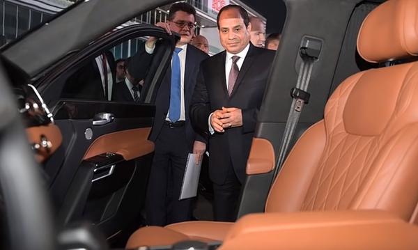 """Владимир Путин прокатил египетского президента на автомобиле """"Аурус"""" по гоночной трассе """"Формулы-1"""""""