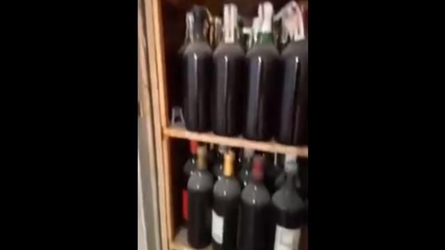 Нашел тайник с алкоголем