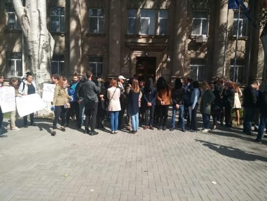 Оппозиция требует отставки главы службы безопасности Молдавии