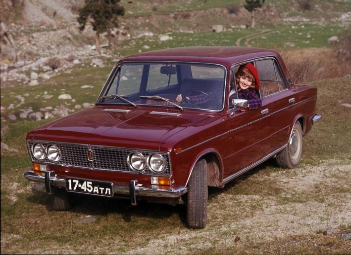 """Юбилей """"тройки"""": 45 лет классической ВАЗ-2103"""