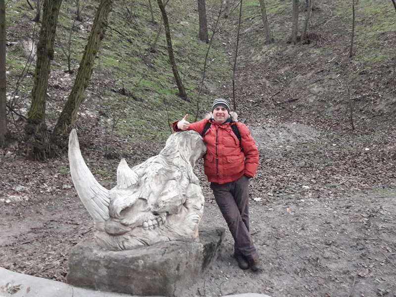 Я и черепок бывшего обитателя наших мест...
