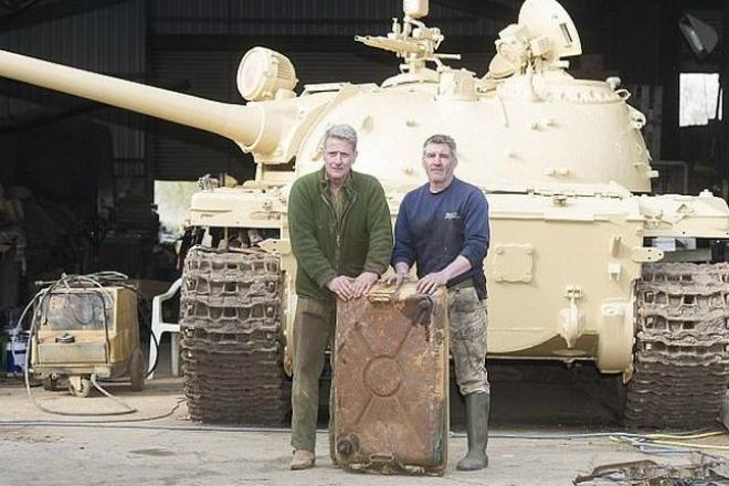 Находка на миллион: старый советский танк скрывал тайник с золотом