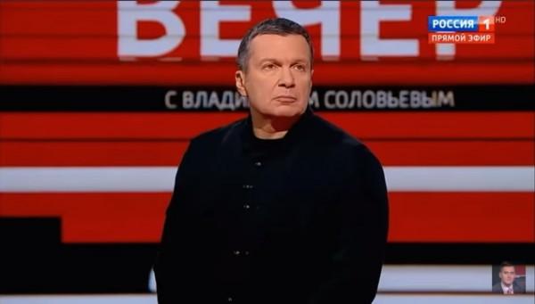 Скандал на шоу Соловьева: телеведущий кинул стакан в польского эксперта
