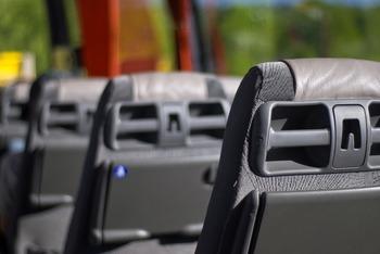 Детей вновь разрешат перевозить на старых автобусах