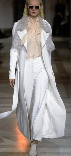 Carolina Herrera осень-зима 2016 — изысканная утонченность, изящная простота, женственность и элегантность