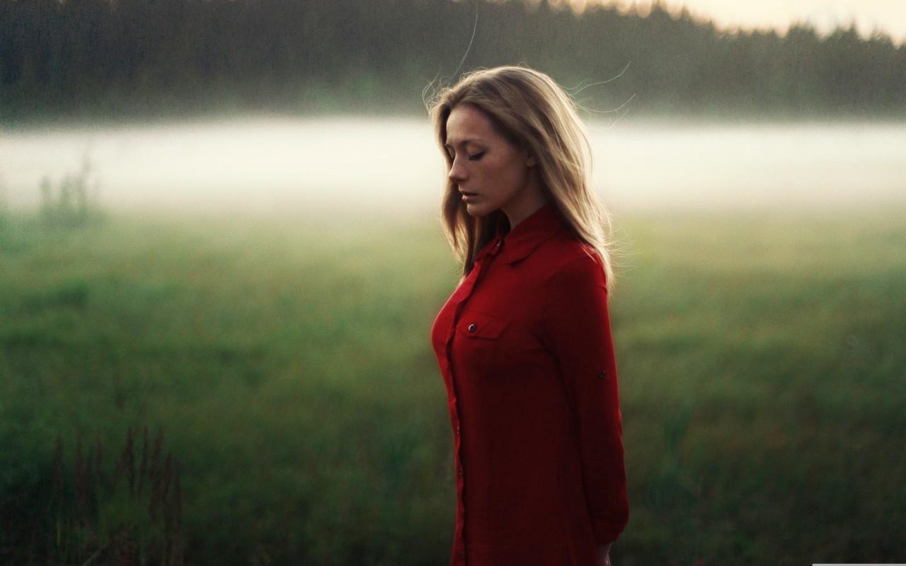 Бестактные вопросы, которые задают женщинам