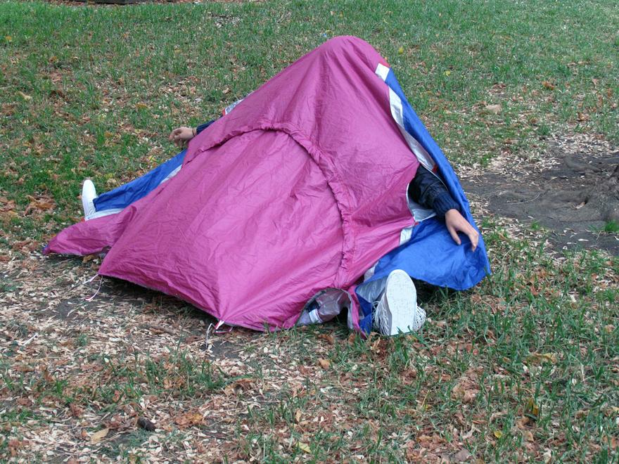 Палатка в кроссовках