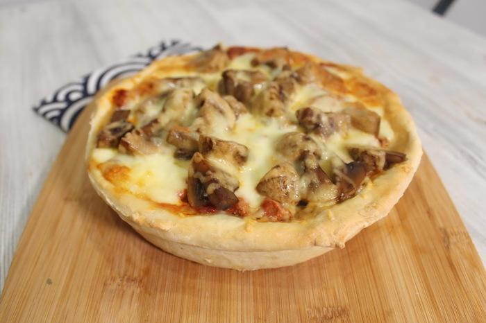 Чикагская высокая пицца. Очень много сочной начинки. Еда, Видео рецепт, Пицца, Чикагская пицца, Рецепт, Кулинария, Видео, Длиннопост