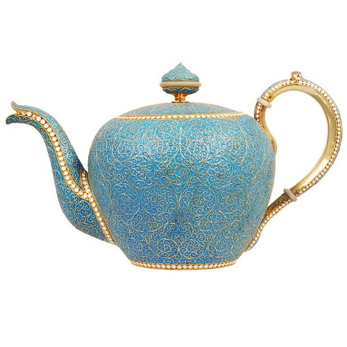 Серебряный чайник с золочением и эмалью