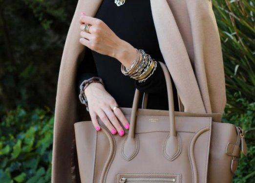 Выбор весенней сумочки для женщины в возрасте «за …». Стилист дает несколько советов