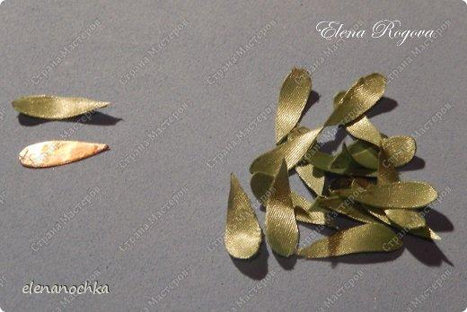 Мастер-класс Флористика искусственная Моделирование конструирование Хризантема из атласных лент МК Ленты Проволока фото 13