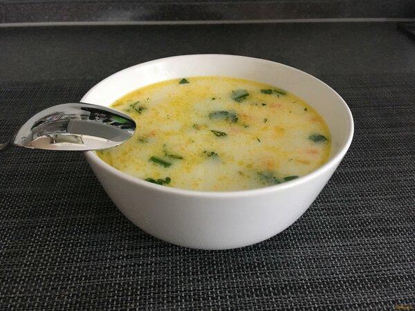 Вкусный и легкий сырный супчик с курицей