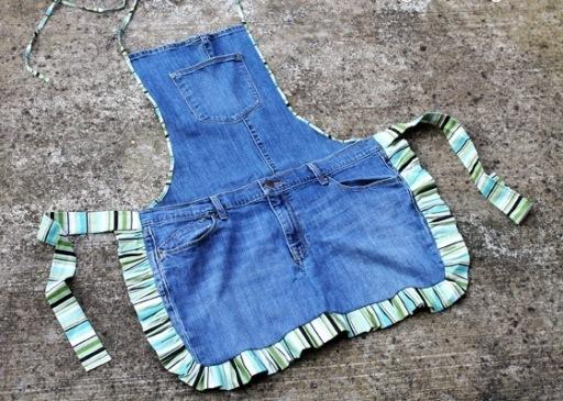 Кухонный фартук из старых джинсов