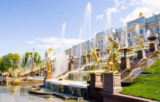 Сезон фонтанов в Петергофе закрывается 14 октября