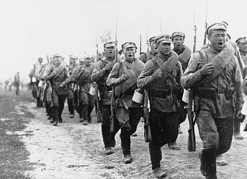 Как легко белогвардейцы устраивались в Красную армию