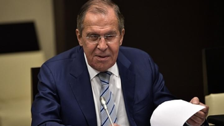 Лавров «снял шляпу» перед британцами, убедившими Евросоюз выслать дипломатов России