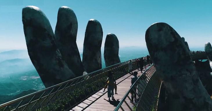 Золотой мост в Дананге, Вьетнам