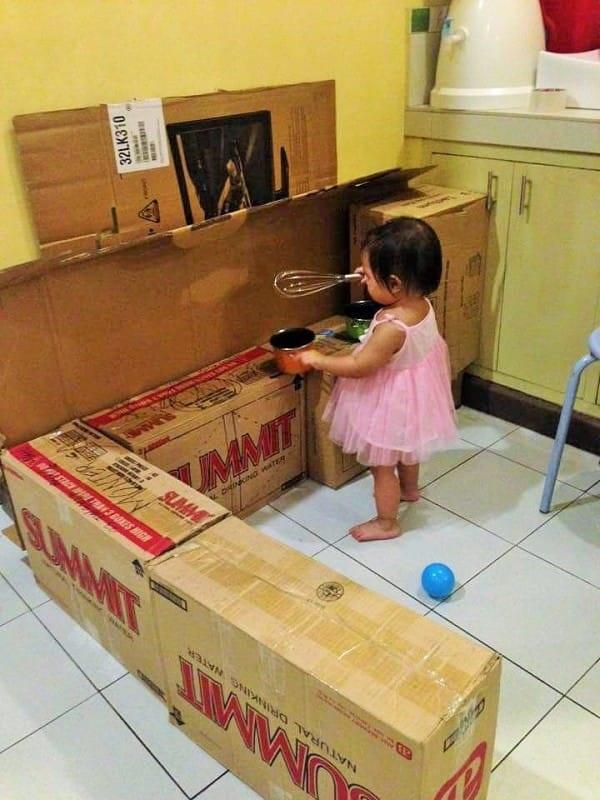 кухня из картонных коробок