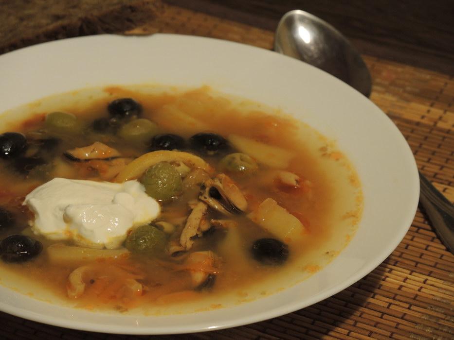 Богатая солянка с морепродуктами — акценты юга-востока Азии в русском супе