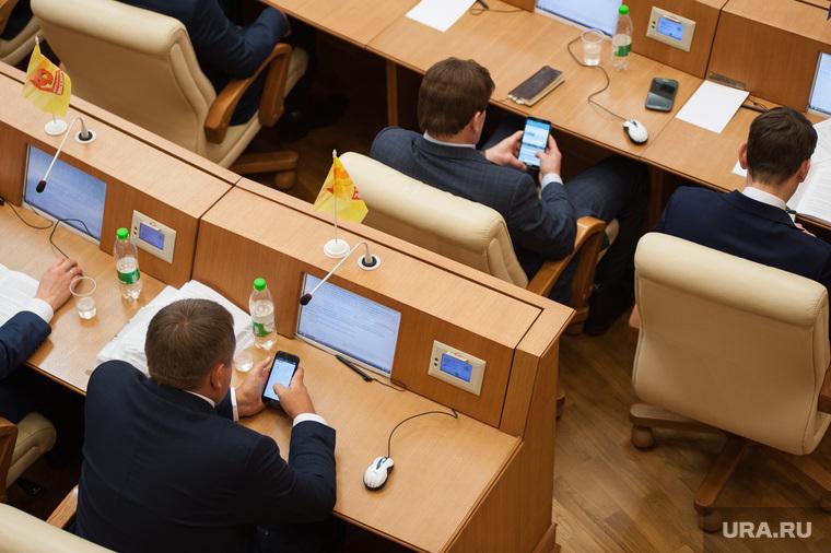 Почему любые поступки депутатов Госдумы раздражают россиян