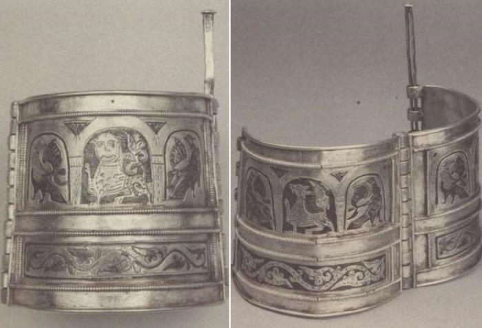 Серебряные браслеты из *Большого Кремлевского клада*   Фото: rusarch.ru