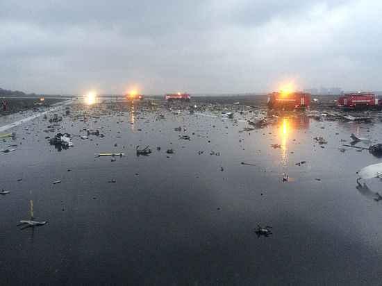 Разбившийся Boeing не ушел на запасной аэродром, опасаясь убытков