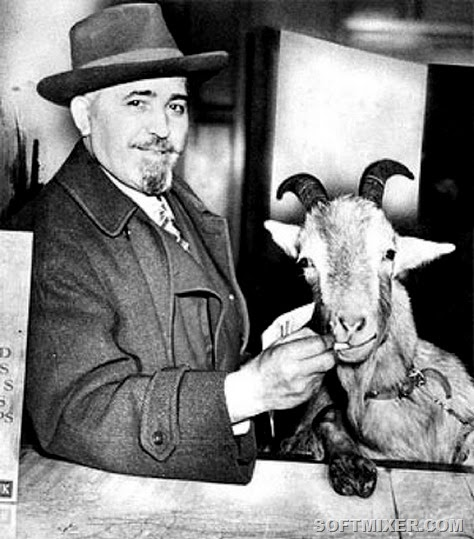 William-Sianis-and-Goat-02