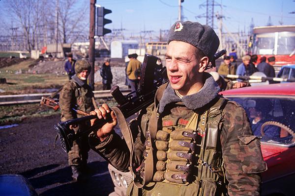 «Если Россия ослабнет, то запылает весь Кавказ». Бывший вице-премьер Сергей Шахрай об осетино-ингушском конфликте и войне в Чечне