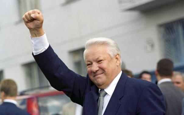 """""""Ельцин дал нам свободу!"""" vs """"А потом мы поняли, что нас обманули"""""""