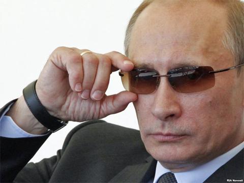 В.Путин приостановил дипломатические отношения с Б.Обамой _