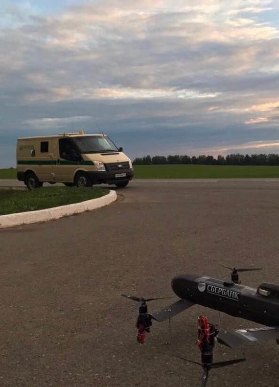 Сбербанк назвал срок начала полетов инкассаторских дронов