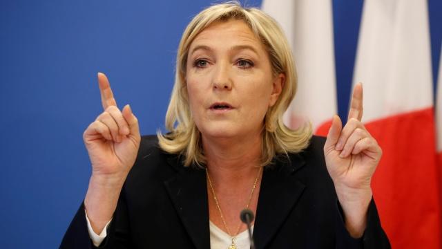 Ле Пен: США и их «лакеи» раз…