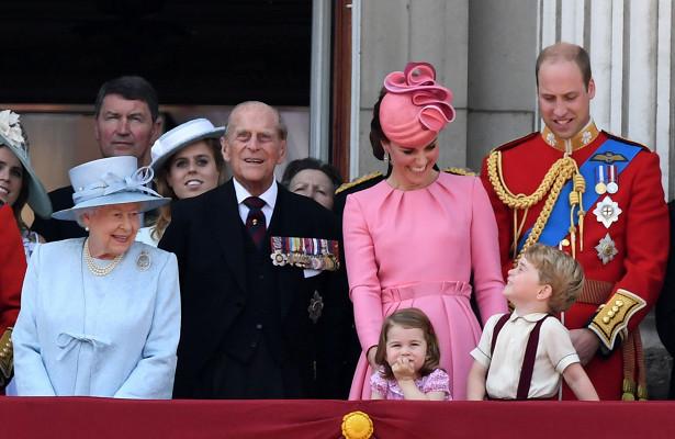 Почему представители королев…