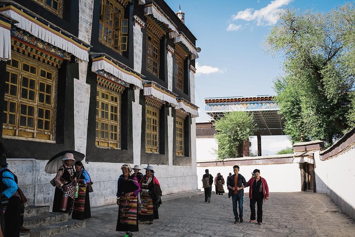 shigadze28 В поисках волшебства: Шигадзе, резиденция Панчен ламы и китайский рынок