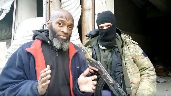 Позировать с террористом - это нормально