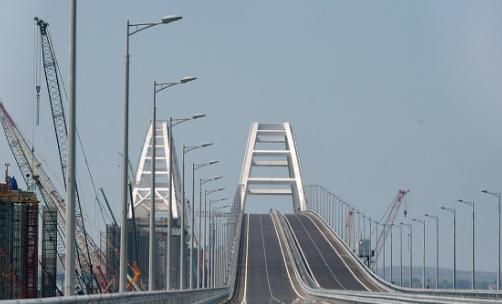 Власти Крыма объяснили Киеву, для чего на самом деле построен мост через Керченский пролив