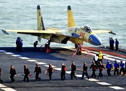 Китайский J-15 оказался лучше Су-33