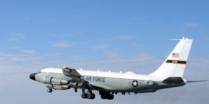 Лишь бы не нарваться на русских! Пилоты американских ВВС уже прячутся от русских СУшек за гражданскими самолетами