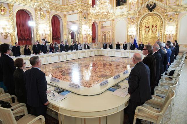 Член СПЧ предложил готовить доклады о положении россиян за рубежом