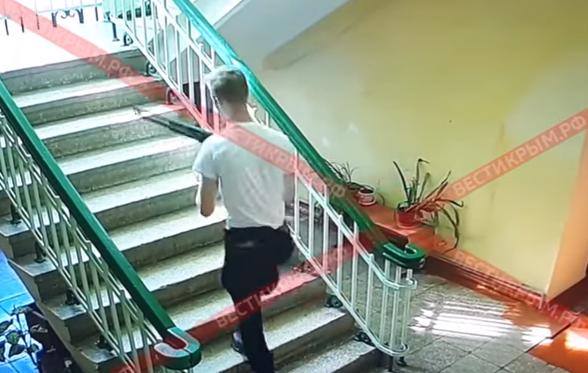 Опубликовано видео взрыва и расстрела в керченском колледже