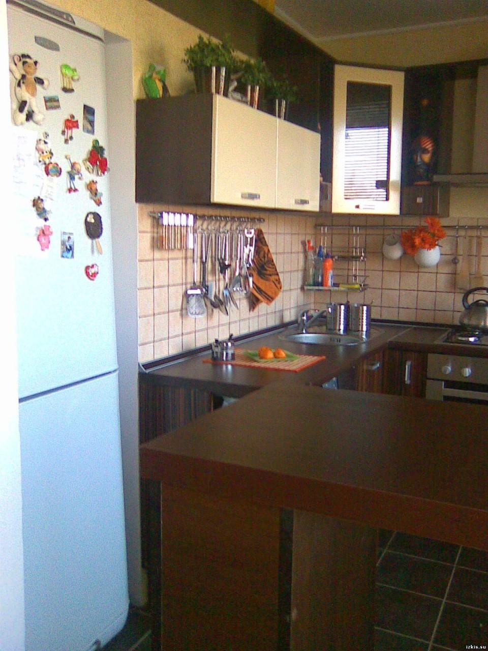 Маленькие кухни 5.5 квадратов дизайн хрущевка с газовой колонкой