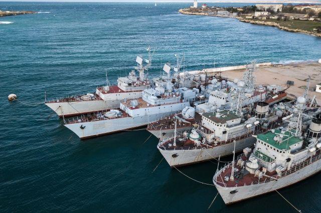 Украинский генерал призвал проверить корабли из Крыма на наличие мин