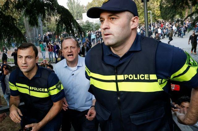 Кандидат в президенты Грузии задержан на «фестивале легализации конопли»