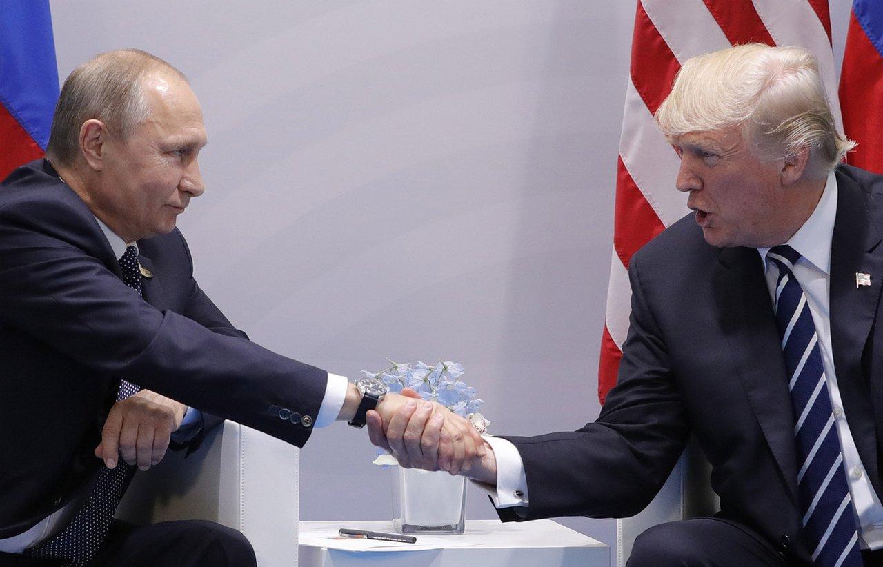 За помощь от Путина Трамп платит предательством Прибалтики
