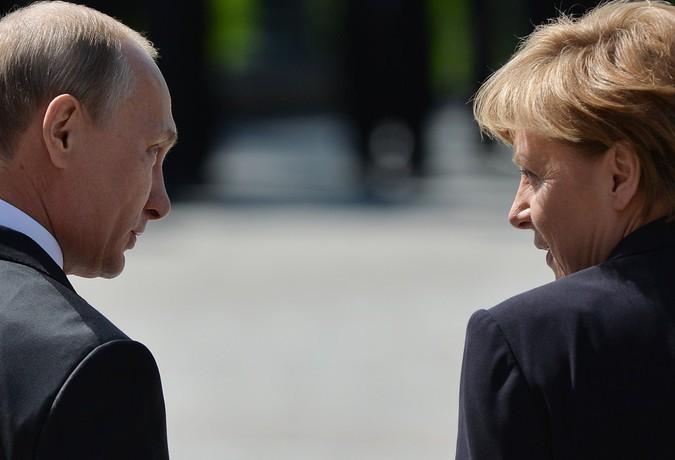 Меркель выступила за экономи…