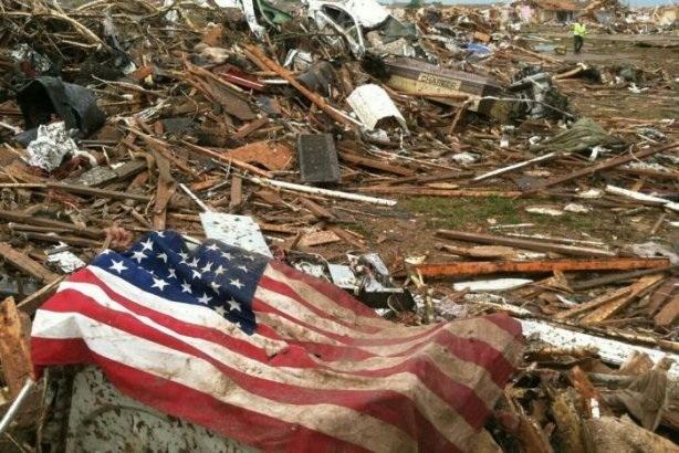 Торнадо в Оклахоме уничтожил целый город.