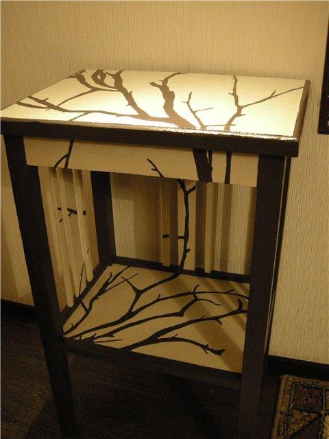Художественные деревья на мебели